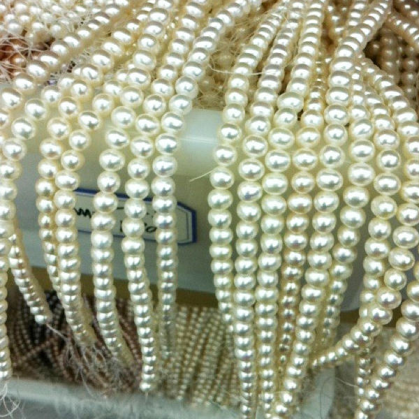 AAA natural round fresh water string pearls