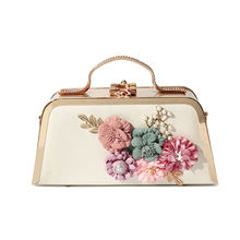 Wholesale 2019 flower hard box leather evening party clutch bag
