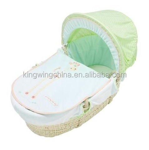 Maize basket with fabric covering / maize moses basket with dressings