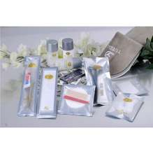 OEM welcomed hotel bath toiletry sets/luxury hotel amenity kit type PVC bottle  silver line bag amenities