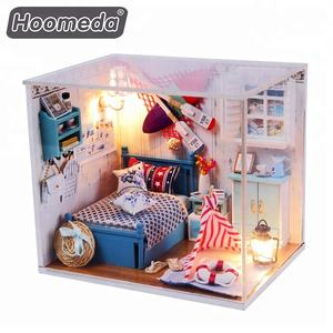 Happy family mainan kayu DIY Dollhouse dollhouse dengan colorful boneka Indah