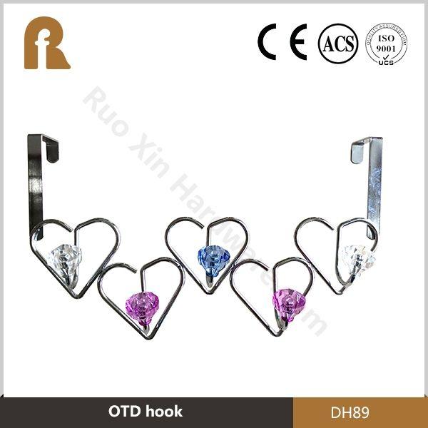 В форме сердца над дверью крючок с Crystal Jewel украшения 5 крючков для свадьбы