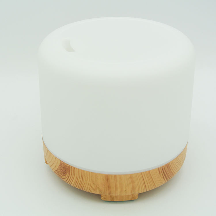 Shenzhen Home Appliance Wooden Base 120ml Oil Diffuser With Light