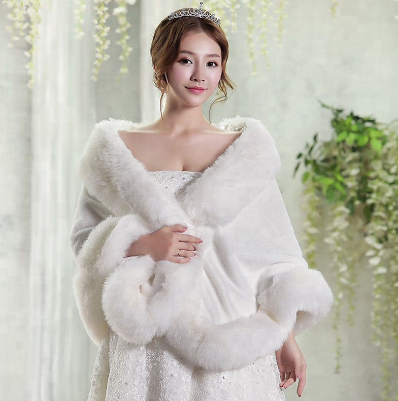 Bridal white Faux fox fur shawl for wedding for vevening dress winter