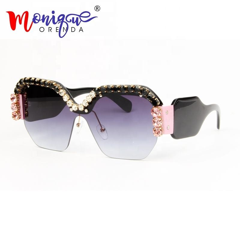 Sexy Rimless Oversized Sunglasses Women Vintage Red Pink Luxury rhienston Sunglasses For Female Rivet Big Frame Male Shades