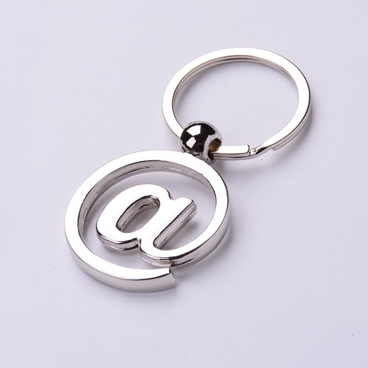 Customized Logo 도매 키 Chain Mail Letters Metal Gifts 아연 합금 키 체인