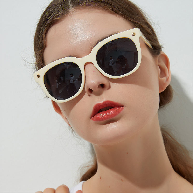 Guvivi Fashion high quality sunglasses Rice nail Eye sunglasses usa woman trendy square China sunglass