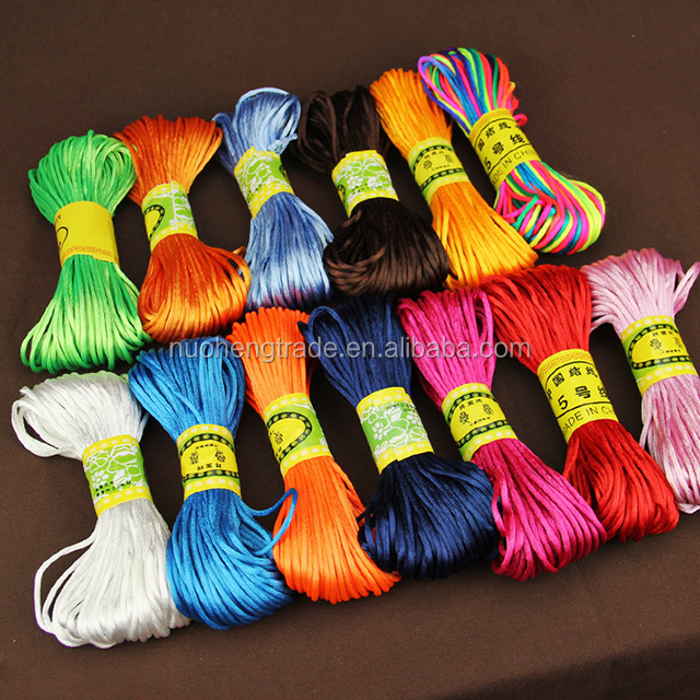Venta al por mayor 25 colores 2mm chino nudo cola de rata de Nylon mancha cadena Cordón de cable para pulsera