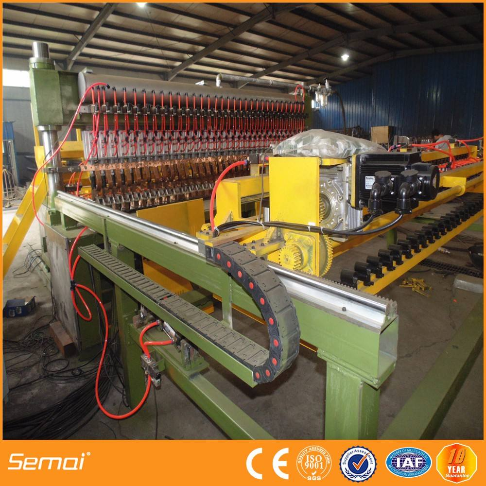 Welded wiremesh panel machine