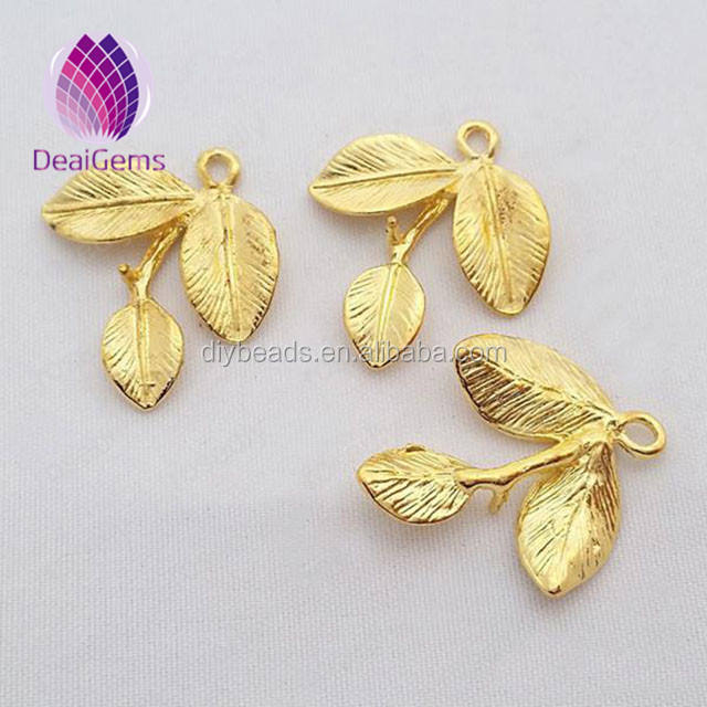 New design zinc alloy nickel free leaf pendant kid charms
