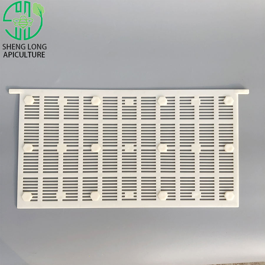 Beekeeping equipment special used for comb honey system plastic bee honey comb baffle / plate