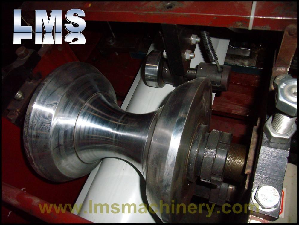 LMS Personnalisé feuille de toit en acier galvanisé ridge cap roll machine de formage
