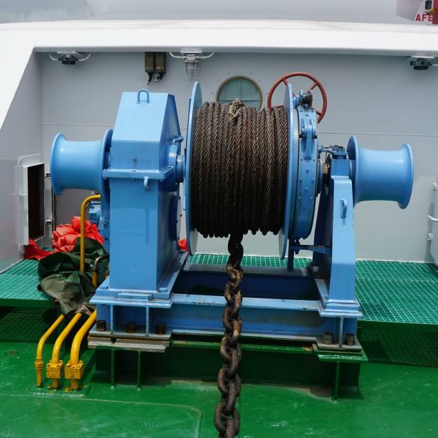 boat yacht moor anchor capstan winch windlass