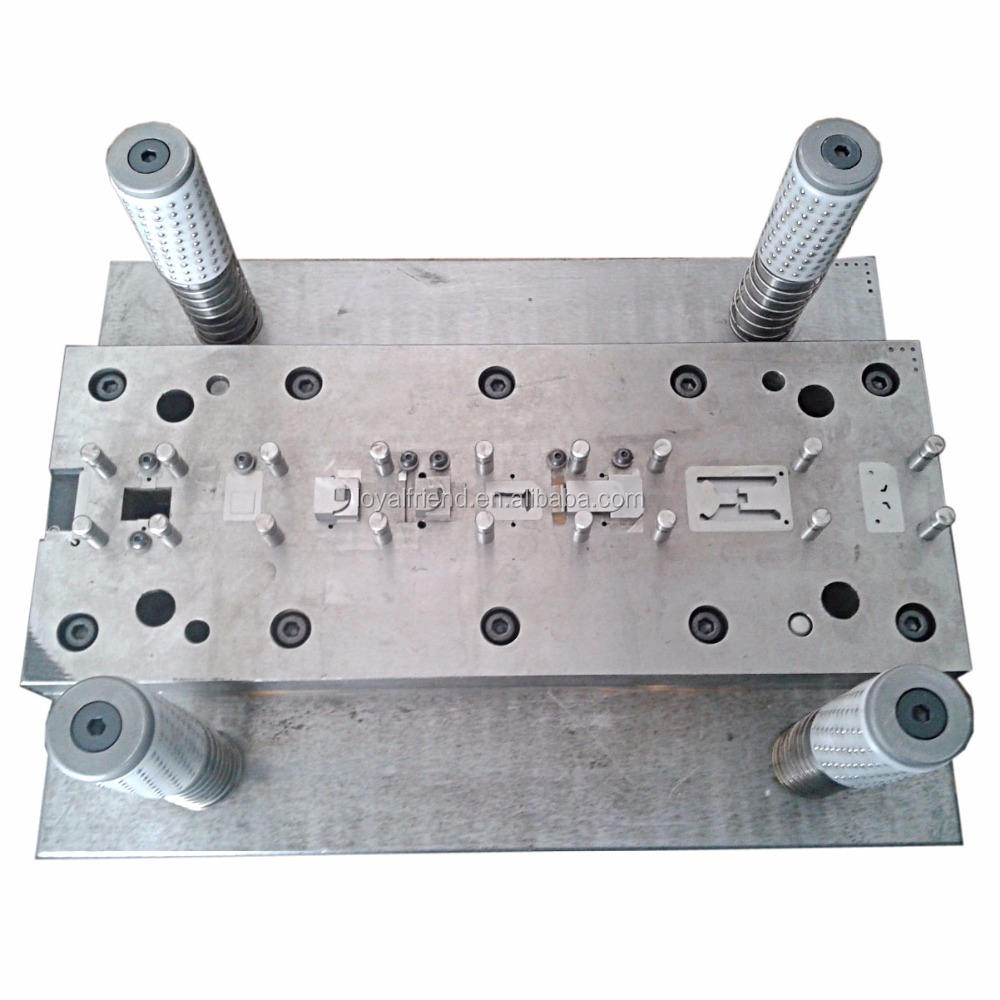 Automatic metal stamping mould