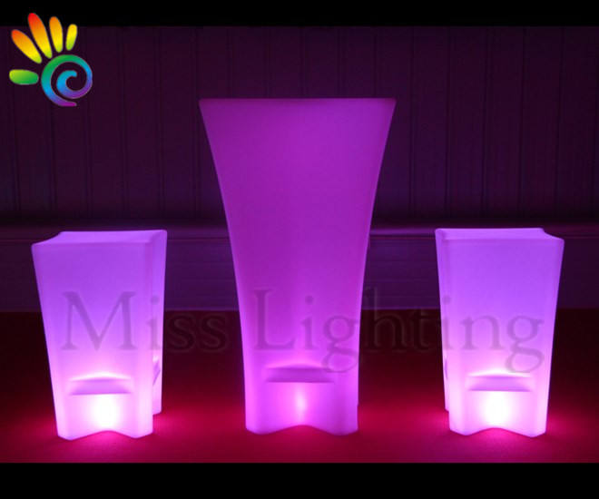 High Quality illuminated Color Changing led furniture set led cocktail chair / table furniture led