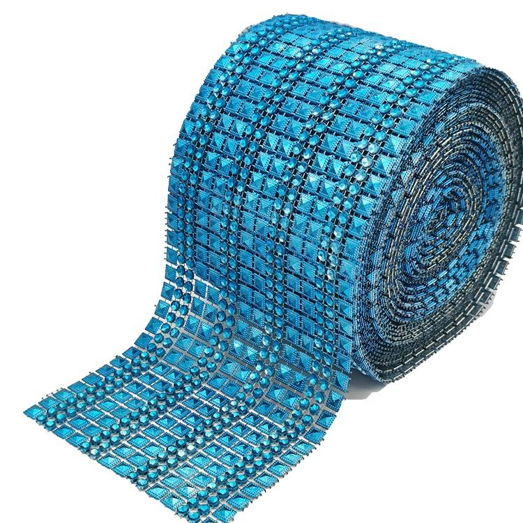 Manufacturers wholesale 16 row blue pyramid blue Diamante plastic rhinestone mesh ribbon for Wedding Table Wrap