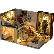 2019 New wholesale toys children DIY wooden doll house , miniatura dollhouse wooden toys and doll houses