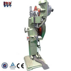 Shoes riveting machine