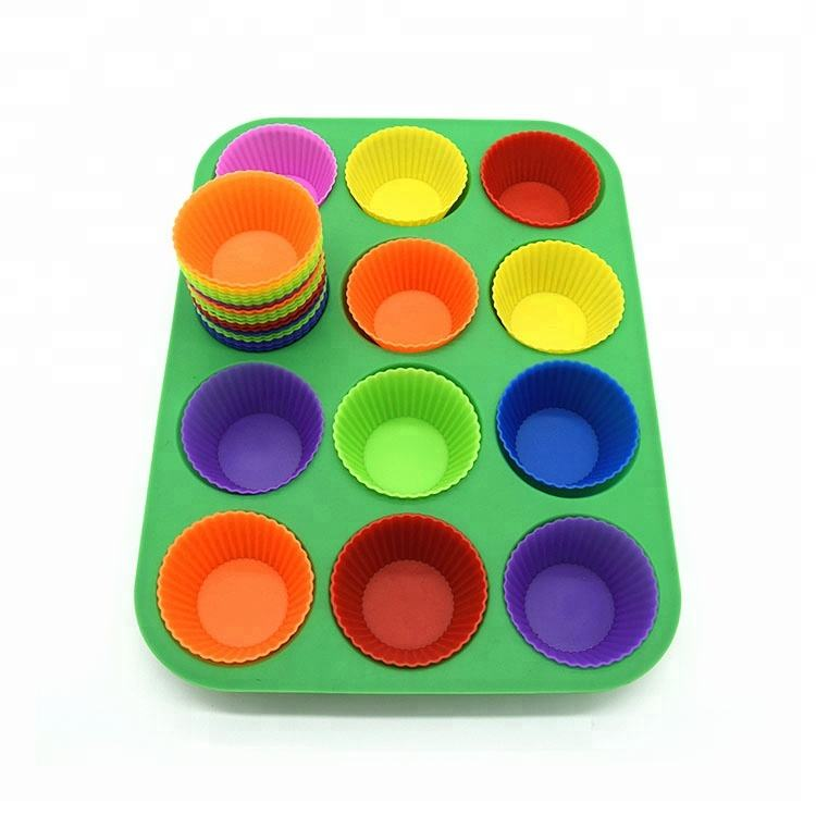 Premium 12 Cups Round Silicone Muffin Cake Loaf Baking Pan Silicone Non Stick baking Tray Safe Bakeware Silicone Muffin Pan