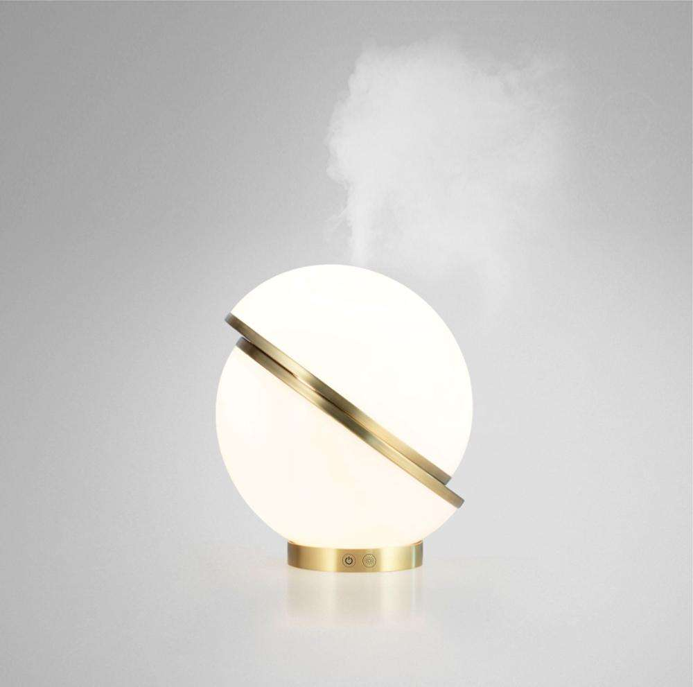 2019 Hot Selling White ABS Classic Ultrasonic Personal Humidifier LED Light 120ml Air Washer Humidifier Aroma Diffuser for home