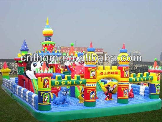 giant inflatable bounce house