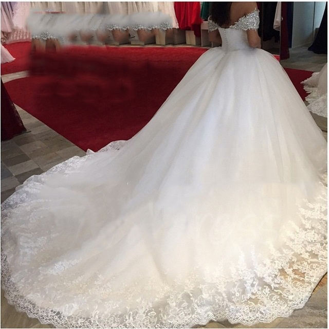 Off the shoulder beaded plus size Puffy customized appliqued Lace 2020 Ball Gown Wedding dresses MWA191