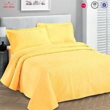 popular style yellow lightweight polyester bedspread quilted ultrasonic quilt