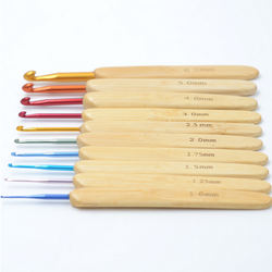 10 PCS Colorful Aluminum Crochet Hook set with bamboo handle