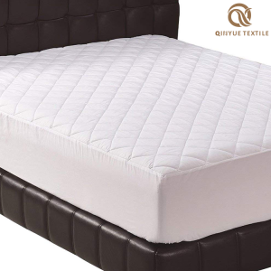 OEKO Certificated 100% Washable Comfortable Feeling Silk Mattress Cover Natural Comfort Mattress
