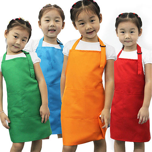 500 KIDS CHILDS SMALL DISPOSABLE POLYTHENE PLASTIC APRONS ART CRAFT