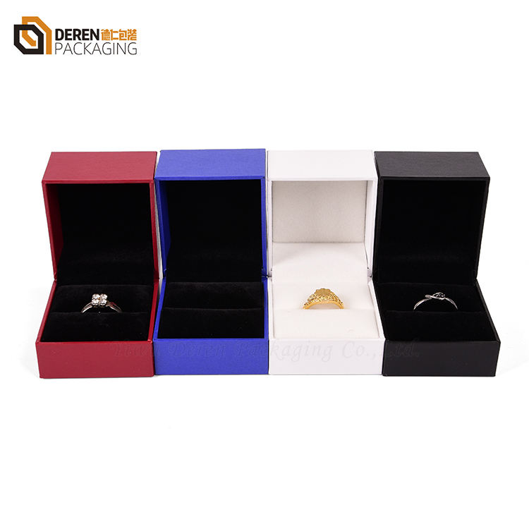 Customize wholesale free logo plastic velvet flocked ring jewelry box