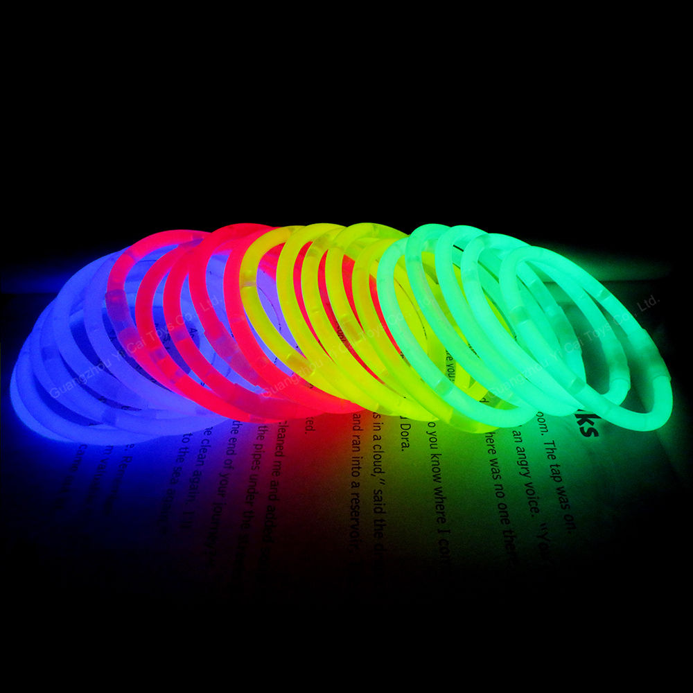 Glow Stick Pesta Pack Set dengan 100 Penyambung Gelang Light Stick
