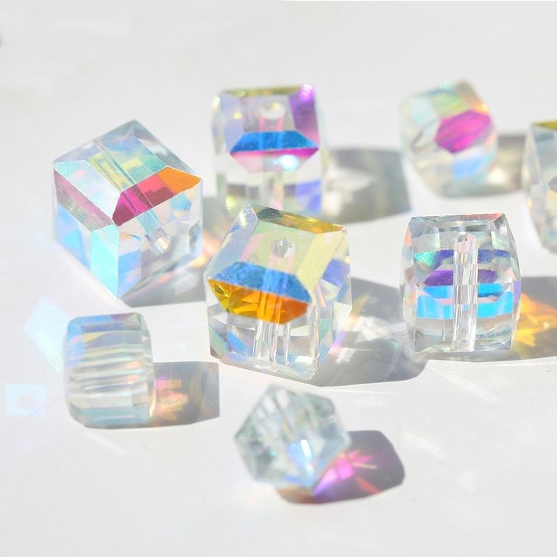 New Style Shinning Square Shape Crystal Glass Cube Beads for Jewelry Making