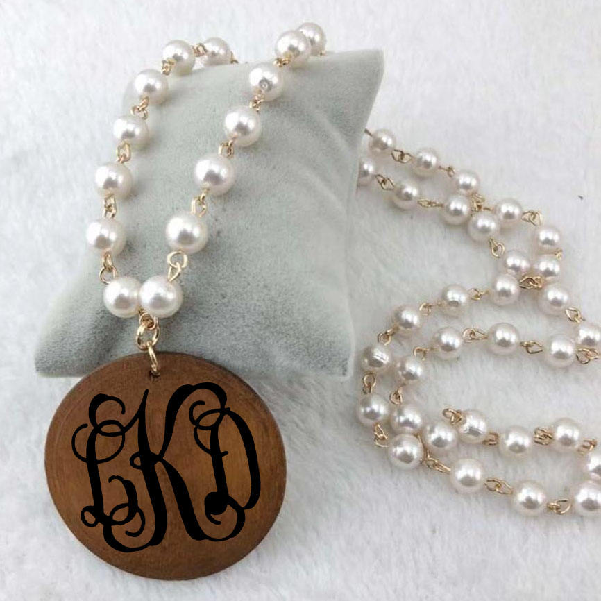 Personalized Vinyl Monogram Pearl Linked Wooden Disc Pendent Necklace