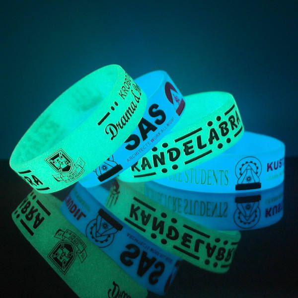 Rubber armband <span class=keywords><strong>siliconen</strong></span> band Glow in The dark <span class=keywords><strong>siliconen</strong></span> polsbandje