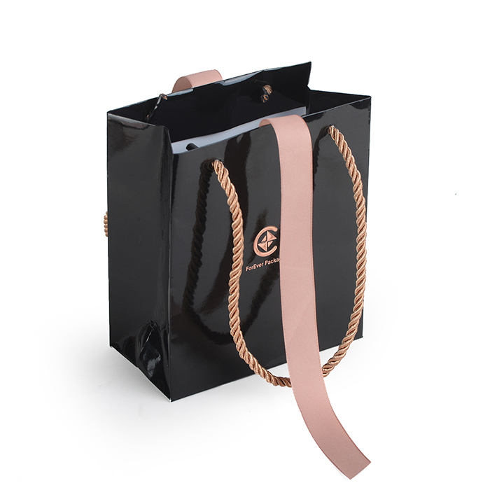 Matte black/white laminated elegant decorative gift packaging bag with ribbon