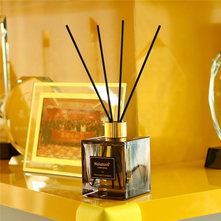 Popular gift set multi scent reed diffusers with reed sticks liquid air freshener