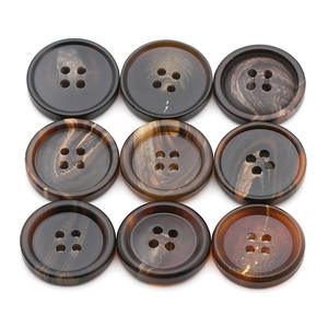 2019 Colorful factory wholesale 4-holes flatback imitated horn resin button