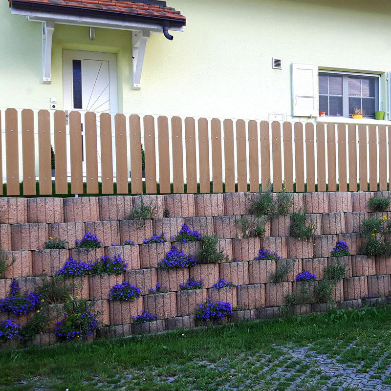Slat Wood Plastic Composite WPC Picket Fence