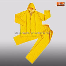 Adult fashion yellow PVC raincoat made in China