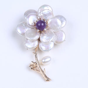 High Quality Natural Coin Shape Freshwater Pearl Elegant brooch flower