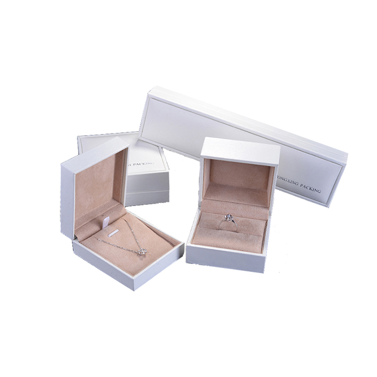 Top quality customized design white Jewelry box for ring
