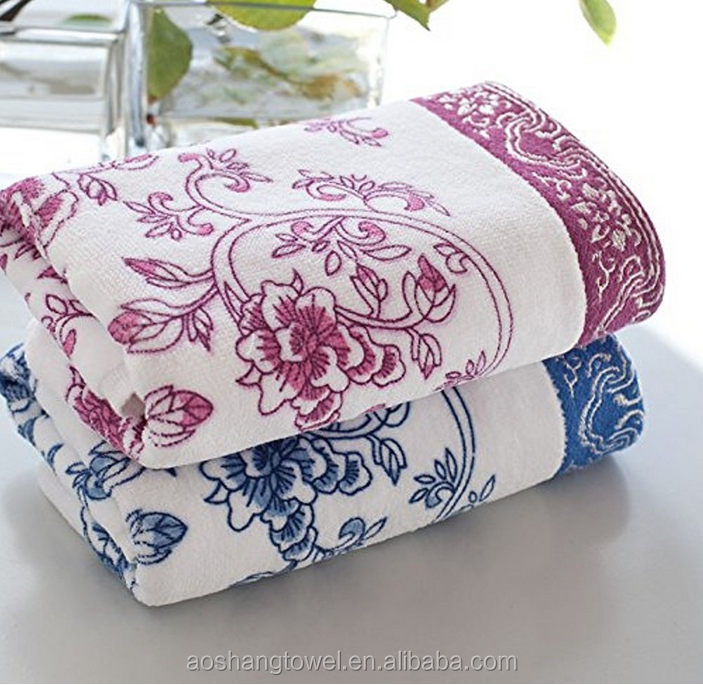 Towel 33 x 74 cm Exquisite Chinese Blue and White Porcelain Floral Pattern Cotton Face Cloth Hand Towel