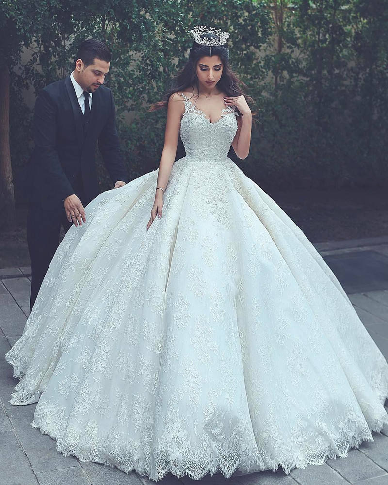 New Design 2018 Princess Lace Wedding Dress Ball Gown With Lace Up Vintage Bridal Wedding Gowns NBW2