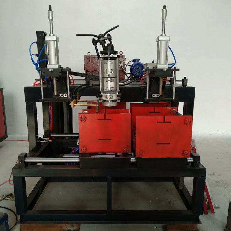 high-capacity automatic blow molding machine