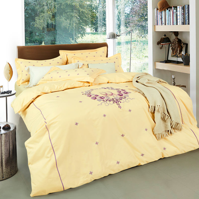 Elegant colour embroidery 4pcs beddings sets /bed cover designs cotton fabric queen and king