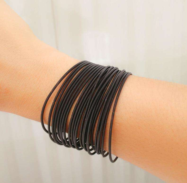 Colorful iron wire spray spring bracelet, guitar string bracelet set, low price