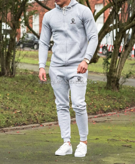 China Guangzhou Clothing Factory Custom Slim Fitted Men Streetwear Tracksuits