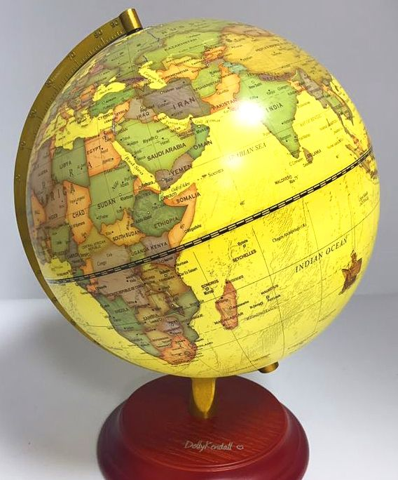 25 32cm iIlluminated Antique World Globe with wooden base Nightlight Lamp wooden base water globe