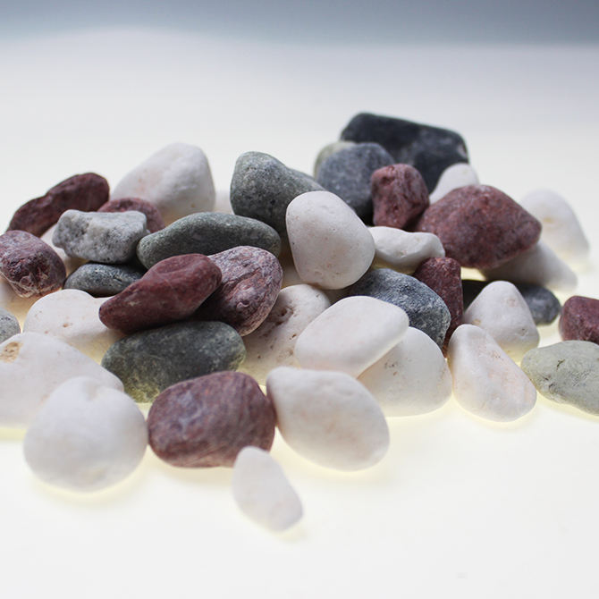 El precio de fábrica negro/blanco/rojo paisajismo adoquines <span class=keywords><strong>grava</strong></span> decorativa mezclada natural adoquines jardín roca piedra
